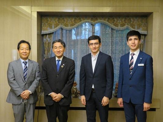 Organizing charter flights to Uzbekistan discussed in Tokyo
