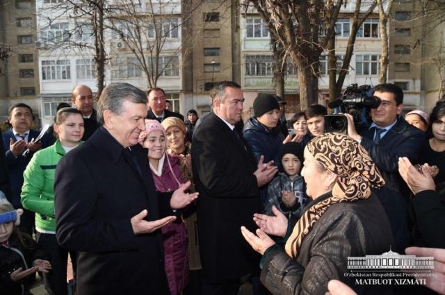 """Shavkat Mirziyoyev visited citizens' gathering of """"Fayzli"""" makhalla in Yangiyul"""