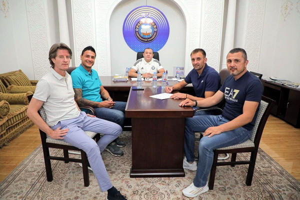 Bojan Matic signs a contract with Pakhtakor