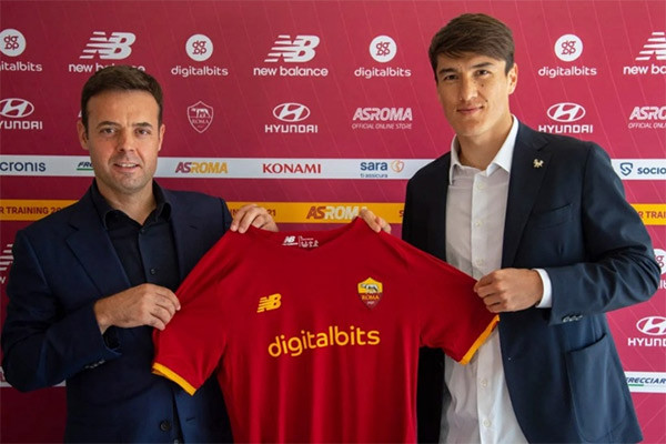 Eldor Shomurodov joins AS Roma
